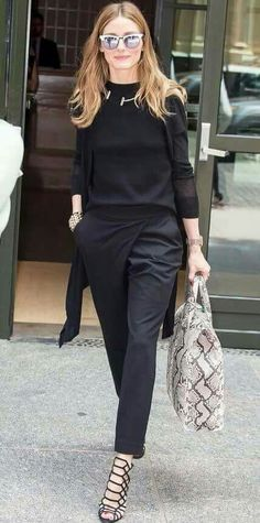 Olivia Palermo: Love her effortless style and uncanny ability to make everything she puts on look so chic! Fashion Mode, Work Fashion, Womens Fashion, London Fashion, Street Fashion, Workwear Fashion, Fashion Blogs, Fashion Trends, Mode Outfits