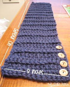 The Craft Patch: Easy Crochet Side Button Scarf Col Crochet, Crochet Buttons, Crochet Collar, Chunky Crochet, Crochet Shawl, Crochet Yarn, Easy Crochet, Double Crochet, Crochet Scarves