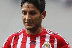 ÁNGEL REYNA SE COMPROMETE CON CHIVAS Reyna ugará de titular en el partido contra el Cruz Azul el próximo domingo en el Estadio Omnilife. Quiero conseguir lo más que se pueda, confiesa.