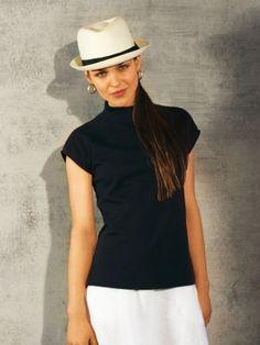 NR. 122-042011-DL Shirt - eng - Stehkragen Sie brauchen: Elastik-Doublejersey, Schlauchware doppelt liegend 40 cm breit: 1,50 – 1,55 – 1,55 – 1,60 – 1,60 m. Vlieseline Formband. 1 Nahtreißverschluss, 22 cm lang und Spezial-Nähfuß. Stoffempfehlung: Elastikjersey. Nur bi-elastische Jerseystoffe verarbeiten.