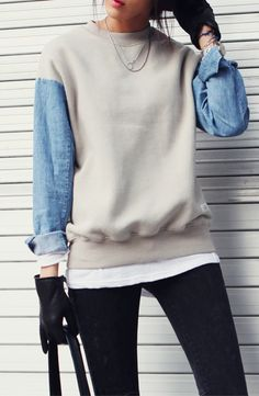 Sweatshirt with sleeves in a different fabric.