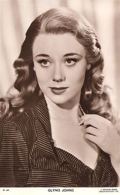 Cleavage Glynis Johns (born 1923) nudes (48 foto) Fappening, 2019, braless
