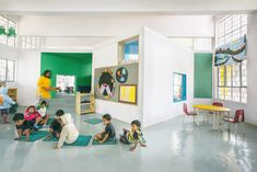 Image 5 of 23 from gallery of Ekya Early Years Kanakapura Road / CollectiveProject. Photograph by Tina Nandi Stephens Education Architecture, School Architecture, Learning Centers, Early Learning, Montessori, Kindergarten Interior, Mini Clubman, Primary School, Contemporary Architecture