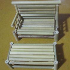 Conjunto artesanal de Bambu Cadeira Mesa Mobiliário Modelo Antigo Artesanato Mini Nostálgico Ornamento(China (Mainland))