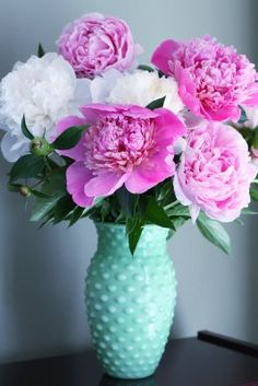 I love this vase. And these are some of my favorite flowers, Peonies!