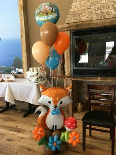 Woodland Creature baby shower balloon decor by Connecticut Balloon Creations - Balloon Decorations 🎈 Baby Girl Shower Themes, Baby Shower Gender Reveal, Baby Boy Shower, Baby Showers, Deco Ballon, Shower Bebe, Baby Shower Balloons, Baby Balloon, Balloon Decorations
