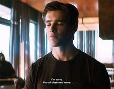 Grayson — Dick Grayson in sweaters. Titans Tv Series, Children Of The Revolution, Superhero Tv Shows, Richard Grayson, Brenton Thwaites, Dc Tv Shows, Bat Boys, Man Crush Everyday, Dc Comics Art