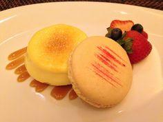 We're craving a Crème Brulee Macaroon from #Waiolu.  #TrumpWaikiki #Waikiki #Hawaii #Dessert #Gourmet #CremeBrulee #Macaroon #Sweet #Treat Trump International Hotel Waikiki Beach Walk - Google+