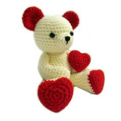 Valentine Teddy Bear With Heart Shaped FeetThis crochet pattern / tutorial is available for free... Full post:Valentine Teddy Bear