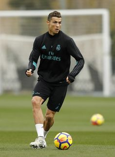 MADRID, SPAIN - NOVEMBER Cristiano Ronaldo of Real Madrid in action during a training session at Valdebebas training ground on November 2017 in Madrid, Spain. (Photo by Angel Martinez/Real Madrid via Getty Images) Cristiano Ronaldo Goals, Cristiano Jr, Cristano Ronaldo, Ronaldo Juventus, Football Players, Real Madrid, Physique, Athlete, Soccer