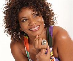 Margareth Menezes - é uma cantora, compositora, produtora, atriz e empresária brasileira. Margareth conquistou dois troféus Caymmi, dois troféus Imprensa, quatro troféus Dodô e Osmar.Salvador - Bahia - Brasil
