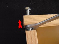 DIY tensionable screen frames [instructable]