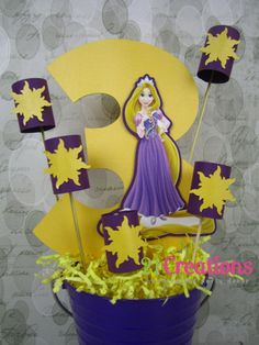 Tangled Rapunzel and Lanterns Centerpiece por 21Creations en Etsy, $24.00