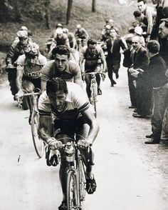 Giro di Lombardia 1951, 21 ottobre. Milano > Milano. Ferdi Kübler (1919-2016), Louison Bobet (1925-1983) e Fausto Coppi (1919-1960)