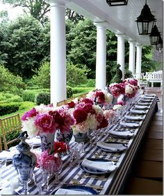 is there anything prettier than a bunch of peonies?