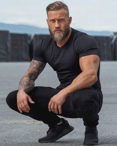 Beard the fuck up. Click hyperlink at bio to be featured.™ Check out. - Beard Tips Beard Styles For Men, Hair And Beard Styles, Men Hair Styles, Muscle Hunks, Muscle Men, Beard Model, Beard Tattoo, Tattoo Man, Haircuts For Men