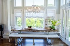 ♡ the clean bench seating. Wall of windows and paint that changes about 6 ft up seating Shawna's Glamorous Custom Kitchen Custom Kitchens, Home Kitchens, Dream Kitchens, Beautiful Kitchens, Timeless Kitchen, Shabby, White Appliances, Glamour, Custom Cabinetry