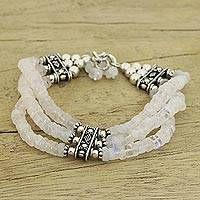 homemade jewelry cleaner for gold and diamonds Beaded Jewelry Designs, Jewelry Trends, Bracelet Designs, Making Bracelets With Beads, Beaded Bracelets, Embroidery Bracelets, Bracelet Charms, Handmade Bracelets, Sterling Silver Bracelets