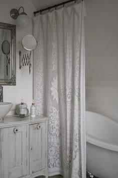 Lovely Shabby Bathroom