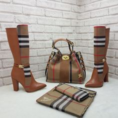 Spiffy Fashion Beautiful Handbags and shoes For You - Beautiful Handbags, Beautiful Shoes, Bootie Boots, Shoe Boots, Shoe Bag, Cute Shoes, Me Too Shoes, Fashion Bags, Fashion Shoes