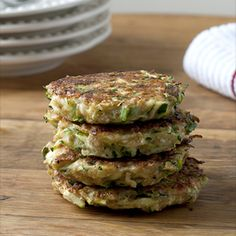 Zucchini Fritters (I add carrots too). From the Box: Herbs, Zucchini, Carrots Vegetable Recipes, Vegetarian Recipes, Cooking Recipes, Healthy Recipes, Drink Recipes, Great Recipes, Favorite Recipes, Healthy Snacks, Healthy Eating