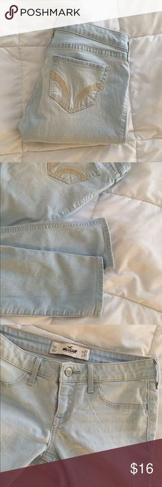 Hollister Skinny Jean SUPER cute and comfy, very light wash skinny jean from Hollister  Size 5s  has GREAT stretch  Gently Pre Loved  Amazing condition         Smoke Free, Pet Free Home Hollister Jeans Skinny