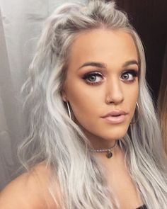 Lottie Tomlinsons makeup looks so pretty and natural