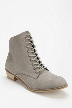 Kimchi Blue Tatum Lace-Up Boot - Urban Outfitters