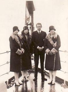Victoria Eugenie with Jaime, Beatriz and Marie Christine.