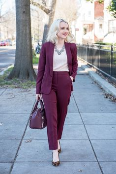 Cathy shares all her favorite outfits and looks in a fun archive of the last six years of style here on Poor Little It Girl! Business Professional Attire, Business Chic, Business Casual Outfits, Covet Fashion, Work Fashion, Womens Fashion, Fashion Trends, Suits For Women, Clothes For Women