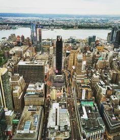 Birdeye view Manhattan... #newyorkcity #empirestatebuilding #nyc #downtown #usadairies #hdrphotography #skyscraper #iphoneography