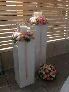 Flower Centerpieces, Wedding Centerpieces, Wedding Table, Fiesta Decorations, Church Wedding Decorations, Wedding Pillars, Church Candles, Spring Wedding Colors, Wedding Gifts For Guests