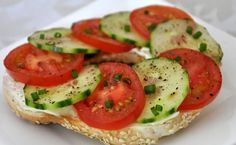 lanche-de-cream-cheese-light-tomate