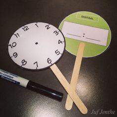 Interactieve manier om leerlingen de analoge (voorkant) en digitale klok…
