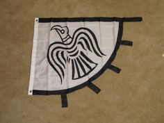 VIKING RAVEN FLAG c800 BANNER NORSE PIRATE F968  Flag of my mother's people.