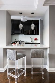 Counter Seating Is Perfect For Impromptu And Informal Dining It Also Helps To Visually Enlarge