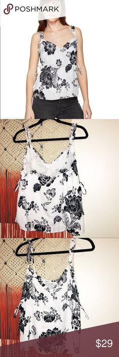 4abc78641e5877 New Guess White Black Floral Camisole Blouse New with tags Guess market  floral ruffle cami.