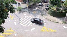 Regras de Circulação em Rotatórias  Código de Trânsito Brasileiro (CTB) explica que tem a preferência na rotatória aquele veículo que já estiver em circulação na mesma