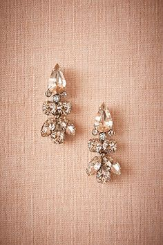 Palazzo Drop Earrings by BHLDN || Perfect Wedding or Bridesmaid Earring || Follow @KWHBridal