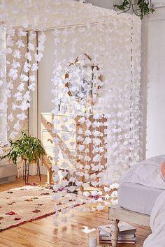 Casa da Anitta: see the singer's mansion in Barra da Tijuca - Home Fashion Trend Teen Room Decor, Diy Room Decor, Bedroom Decor, Wall Decor, Home Decor, Bedroom Ideas, Bedroom Designs, Bedroom Storage, Homemade Room Decorations