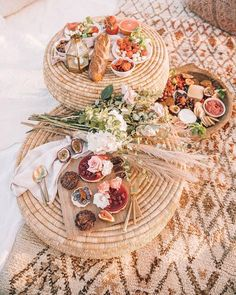 BLUSH & Ochre (@blush.and.ochre) • Instagram photos and videos Picnic Time, Summer Picnic, Picnic Parties, Garden Picnic, Beach Picnic Foods, Picnic Lunches, Summer Fall, Fall Winter, Autumn