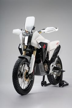 Honda's Concept Bike One Step Closer to Production? Honda Bikes, Honda Motorcycles, Motorcycle Design, Bike Design, Honda Tornado 250, Honda Grom Custom, Moto Enduro, Scrambler, Tw 125