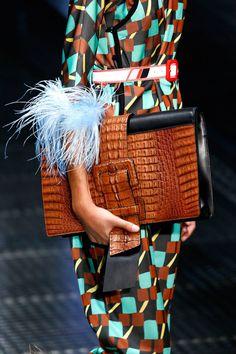 Introducing the Prada Spring/Summer 2017 Runway Bag Collection. Prada has collaborated with American film director David O. Fashion Bags, Fashion Handbags, Fashion Accessories, Fashion Jewelry, Hermes Handbags, Luxury Handbags, Designer Handbags, Burberry Handbags, Leather Handbags