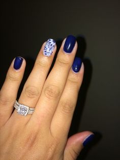 Loving Jamberrys trushine gel Beta, paired with Fractal! Perfect winter jams! www.nicolecollins.jamberrynails.net
