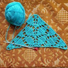 Free Crochet Scarf Patterns – All Free Patterns Crochet Poncho Patterns, Granny Square Crochet Pattern, Crochet Round, Crochet Shawl, Crochet Doilies, Free Crochet, Crochet Blocks, Scarf Patterns, Knitting Patterns