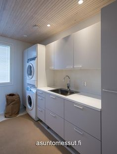 New laundry room cabinets Laundry Bathroom Combo, Laundry Nook, Garage Laundry, Laundry Room Cabinets, Interior Design Living Room, Living Room Designs, Küchen Design, House Design, Modern Laundry Rooms