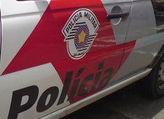 Homem rouba bolsa de mulher em São Manuel -   A Polícia Militar registrou na tarde deste sábado, 29, um roubo na rua 04 de junho, em São Manuel. Segundo informações, um indivíduo moreno, magro, camisa vermelha e com boné, chegou a agredir uma senhora para subtrair a bolsa.  Ela se encontrava no interior de sua residência. Segundo i - http://acontecebotucatu.com.br/policia/homem-rouba-bolsa-de-mulher-em-sao-manuel/