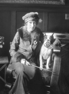 Miss Halloran and her dog, 1915 (Harry Shipler) Vintage Pictures, Old Pictures, Time Pictures, Poodles, Boston Pictures, Salt Lake City News, Art Nouveau, Vintage Dog, Women In History