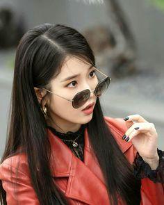 IU's Chanel Leather Coat Who can resist IU's vintage Chanel double breasted coat? Kpop Girl Groups, Kpop Girls, Wallpaper Moon, Korean Girl, Asian Girl, Snsd Yuri, Luna Fashion, Korean Celebrities, Korean Actresses