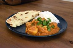 Recipe to cook for lunch or dinner some Indian Chicken Curry with some tomatoes, yogurt, onion, garlic, ginger and a spice mix. Coriander Spice, Fresh Coriander, My Recipes, Chicken Recipes, Cooking Recipes, Indian Chicken, Chicken Curry, Spice Mixes, Garam Masala